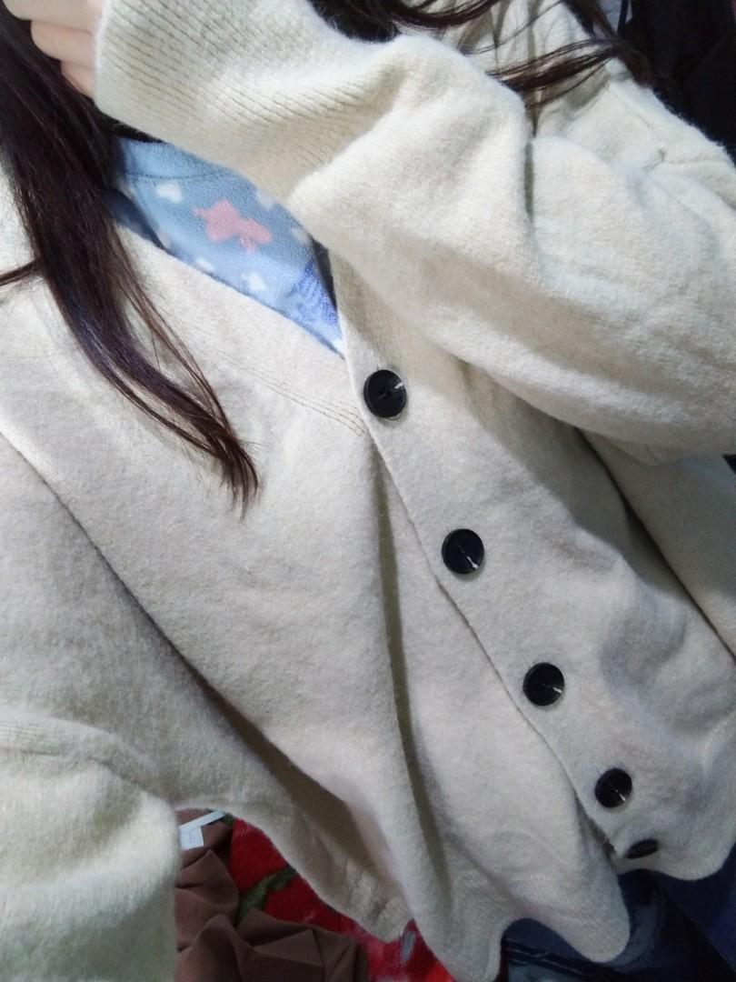 針織外套 百搭 軟糯 溫柔 杏色 白色 奶油色 奶茶色