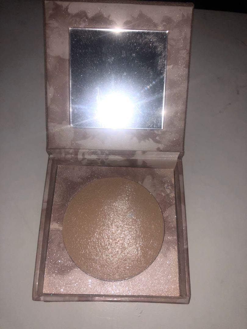 🎀 URBAN DECAY Naked Illuminated Shimmering Powder for Face and Body