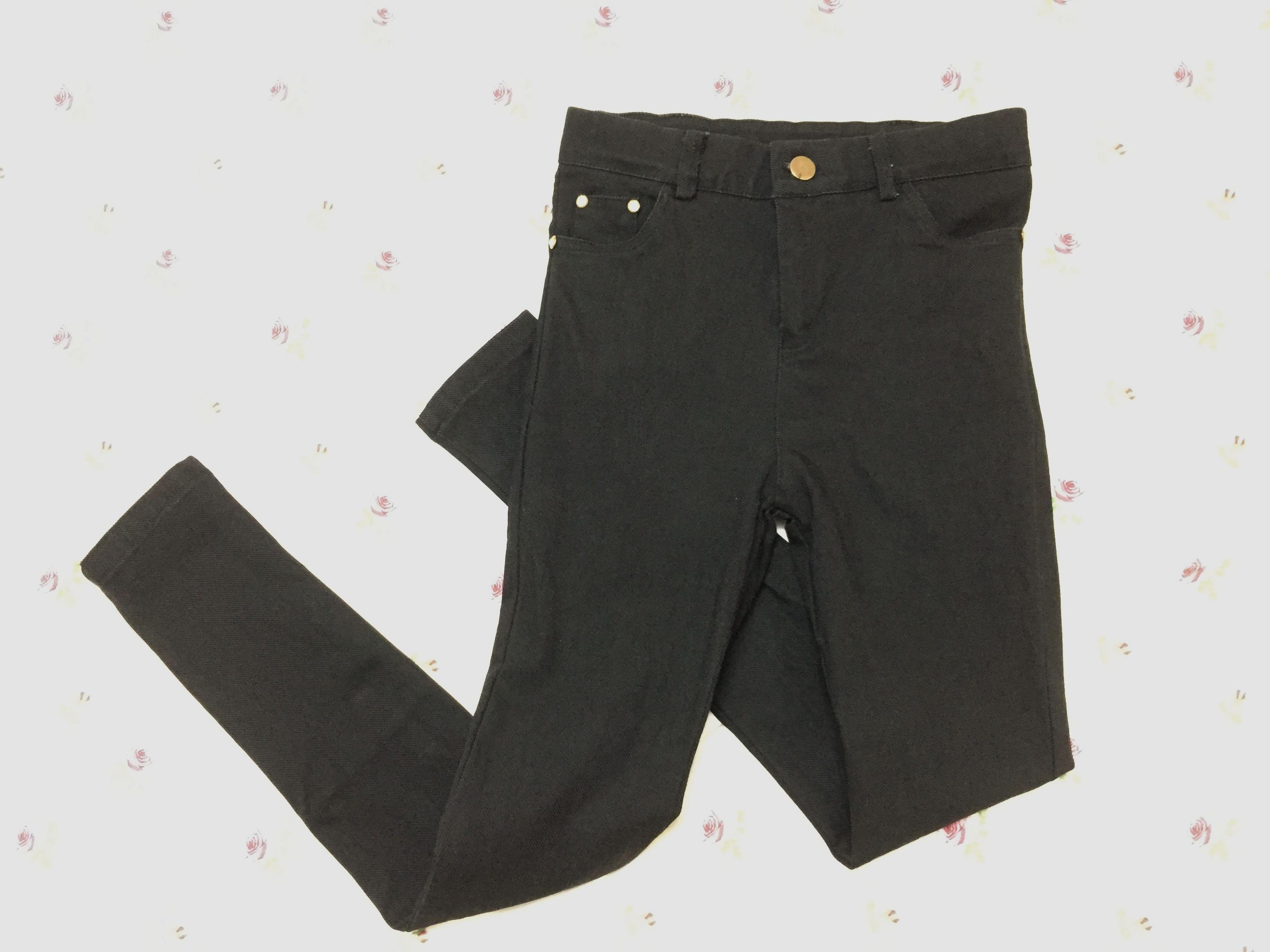 Black long skinny pants
