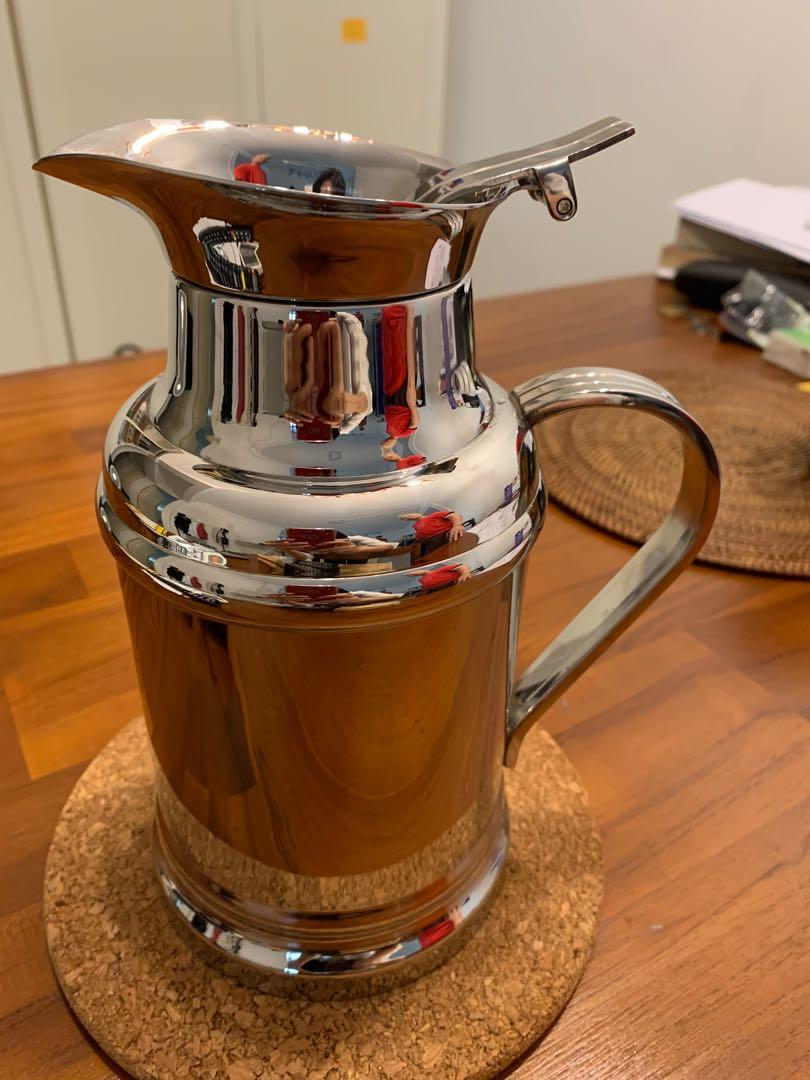 Double walled stainless steel jug