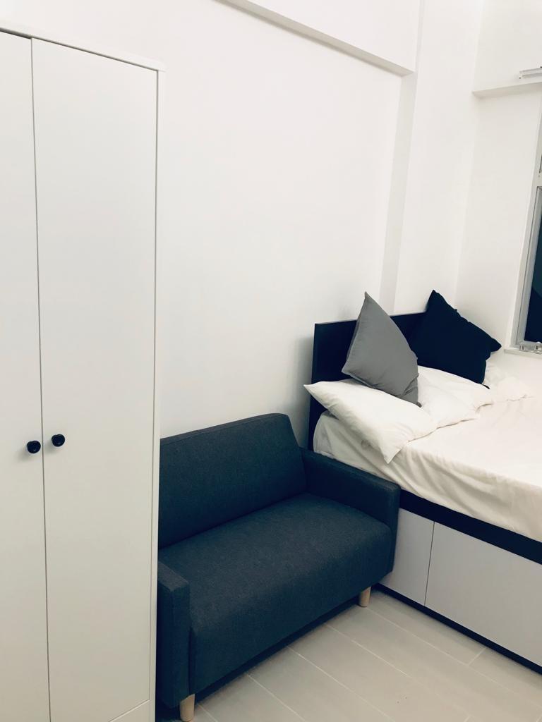 Fully Furnished Stylish Walk Up Studio (1/F) in Causeway Bay 銅鑼灣全新型格裝修套房 (唐二樓)