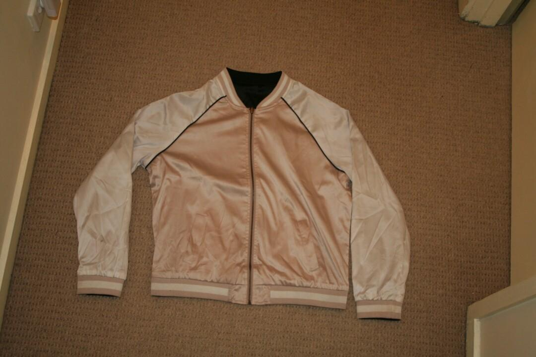 Jacket- Reversible bomber jacket with embroidered flowers on back