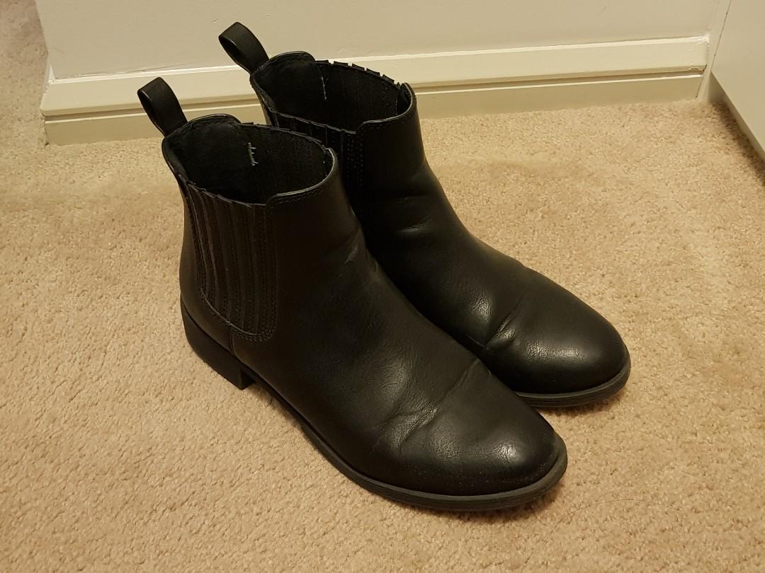 Lipstik Black Chelsea Ankle Boots | Size 8.5