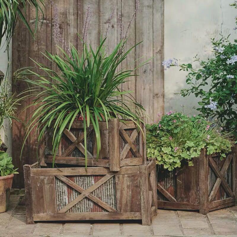 Planter Barn Wooden Zinc Plant Pot