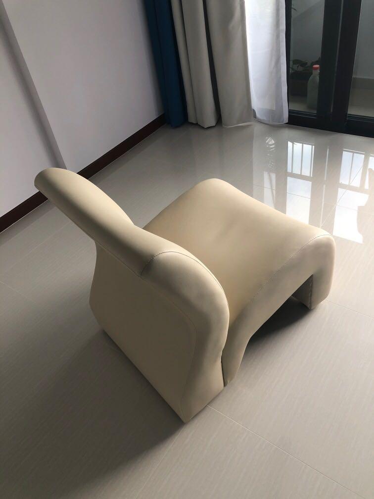 White Leather Single Sofa