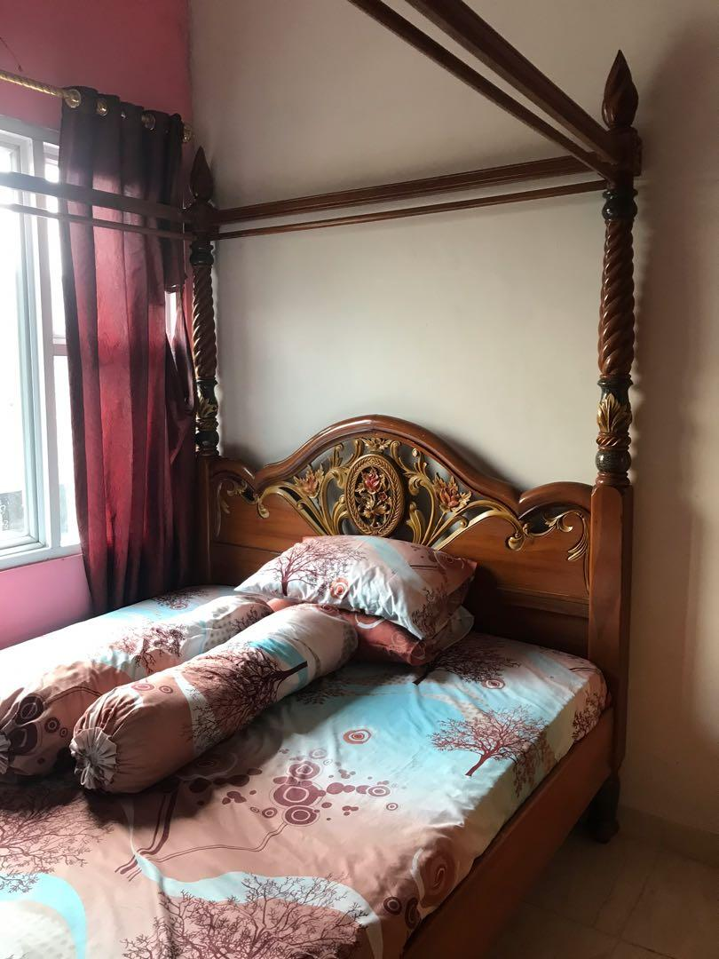 Tempat Tidur Kayu Jati Asli