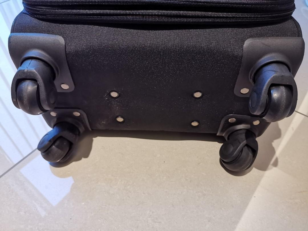Travel suitcase, very good quality, robust wheels