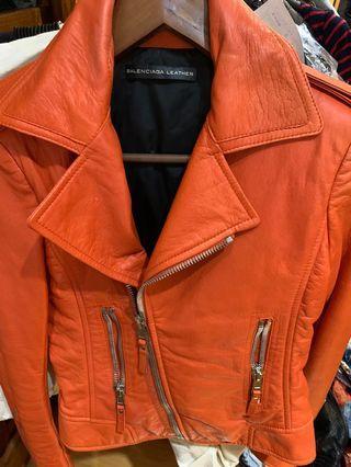 Balenciaga 紅皮外套
