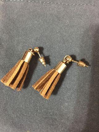 棕色流蘇造型耳環