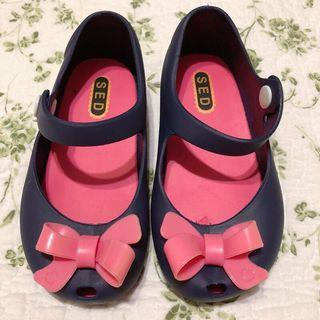 女孩兒 蝴蝶結娃娃鞋