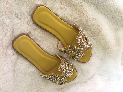 Sandal h