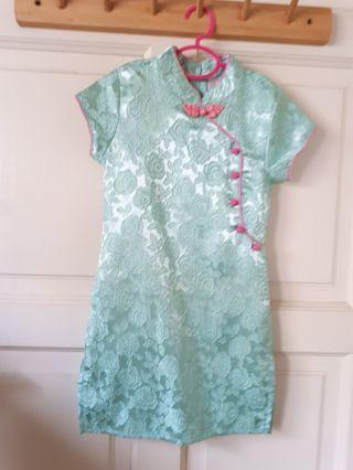 Lovely green and pink cheongsam #Fashion20
