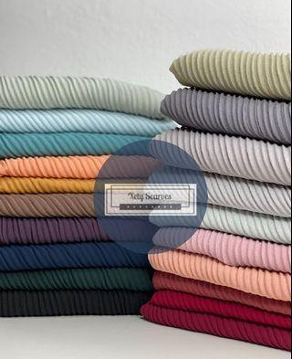 Pleated shawl