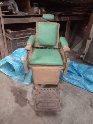 Vintage Jati Barber Chair