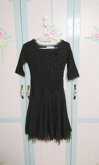 全新黑色蕾絲洋裝