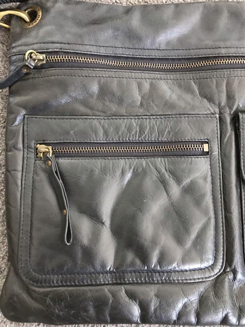 Hidesign Black leather crossbody messenger satchel bag