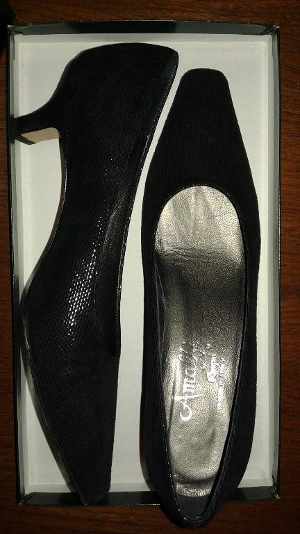 LEATHER SHOES PUMPS - AMALFI BY RANGONI - CORONA AREZZO - SIZE 6B - Virtually New (only worn once) - Original Price $375 - Asking $98 or Best Offer