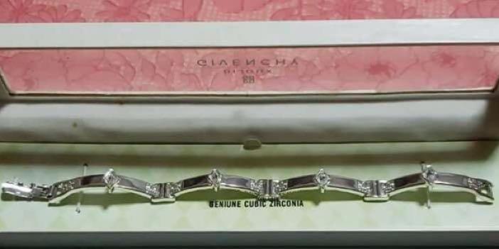 Pre-order Givenchy Bracelet Vintage