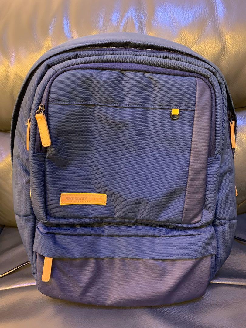 Samsonite Red backpack 金秀賢代言