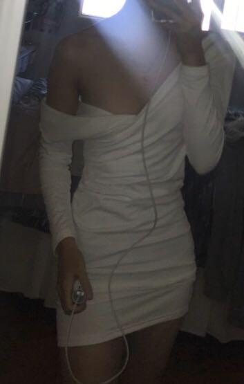 size 8 | bnwot v neck wrap ruched long sleeve dress