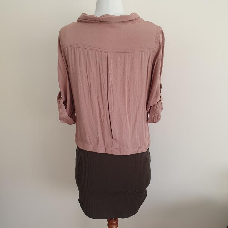 Size M fits 8-10 Guc Ally Fashion lightweight milk chocolate 3/4 sleeve zip top