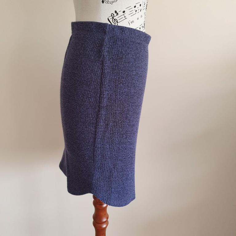 Size S fits ladies 10 Vgc Cotton On blue stretchy short mini skirt