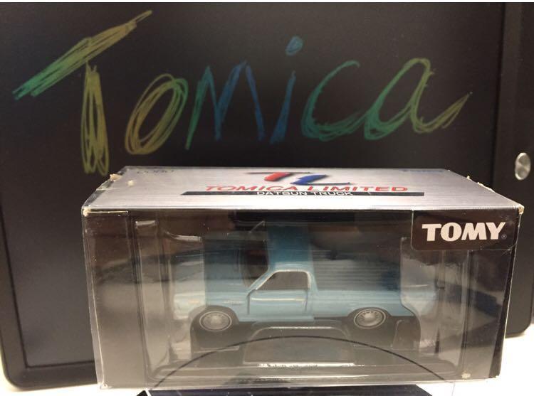 Tomica Ltd  - Datsun truck