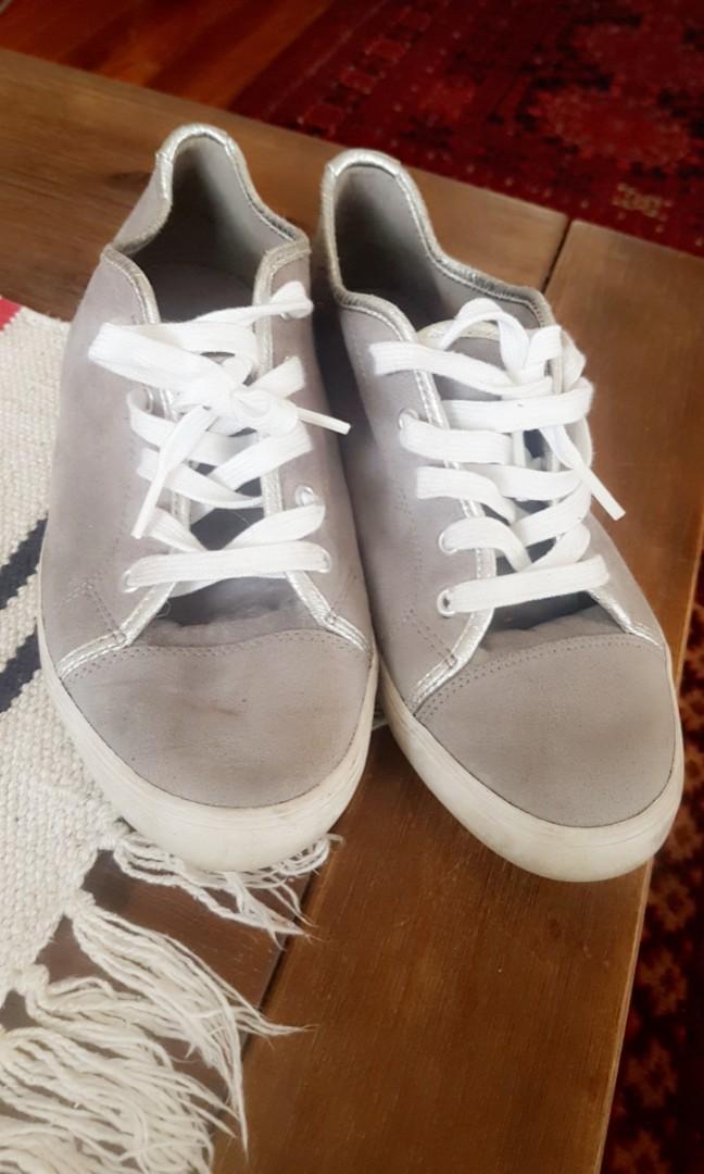 Velvet grey sneakers