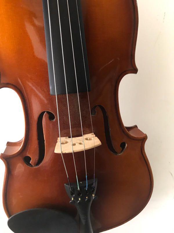 Violin 4/4, brand Kapok, seldom used 3-4 times. Good condition