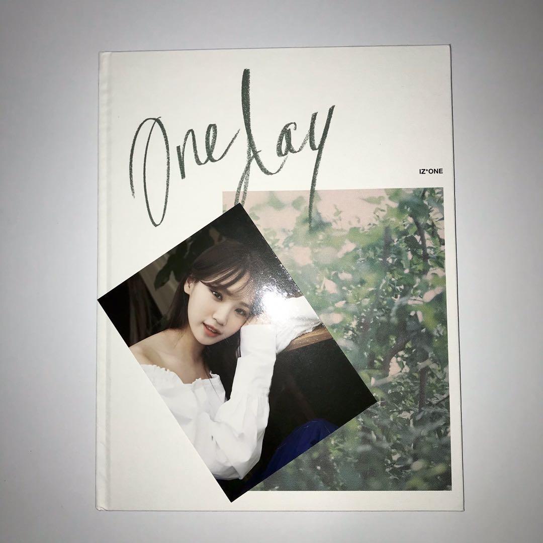 [WTT] IZONE - One Day Photobook (Kim Chaewon Postcard)