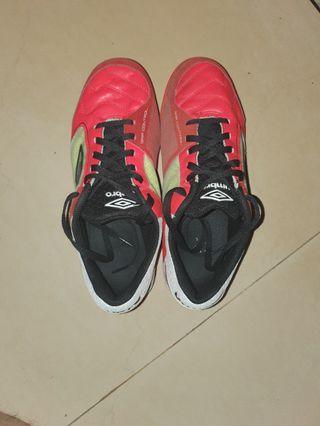 Sepatu futsal umbro sala pro