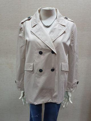 Zara 品牌 簡約質感 秋款 牌扣 卡其棉 長袖外套L