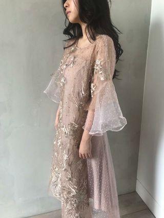 For Rent : Lova Dress
