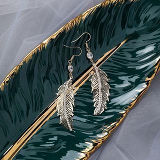 {朵朵韓飾} B3337 韓國直送(正韓)-復古優雅金屬水鑽羽毛耳環