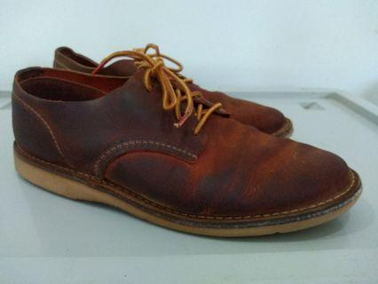 Red Wing Shoe Weekender