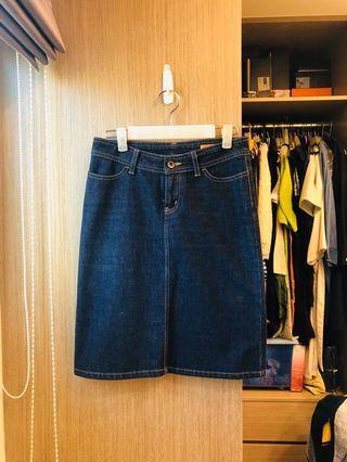 二手正品DRS日本製牛仔裙(雙口袋後開衩)雜誌款
