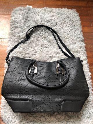 Black hangbag
