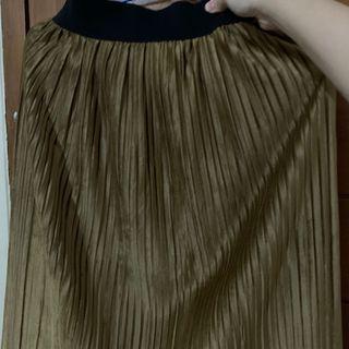 Pleated Skirt Brown