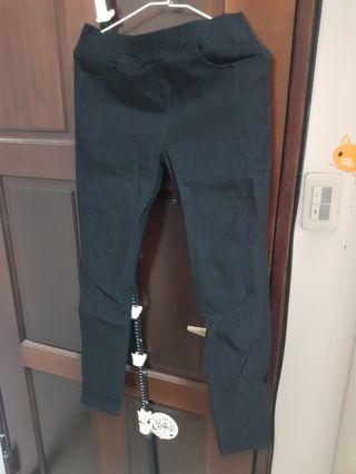 黑色窄管褲