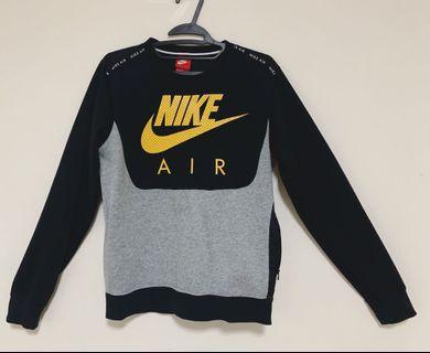 Nike大學T 尺寸S