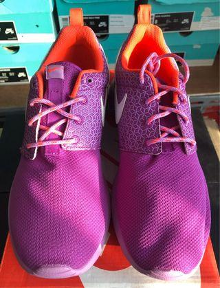 Nike Roshe One GS size 37.5