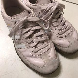 Adidas Samba系列