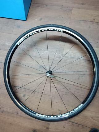 700c Revolution wheelset