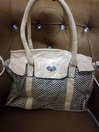 O.uazi handbag