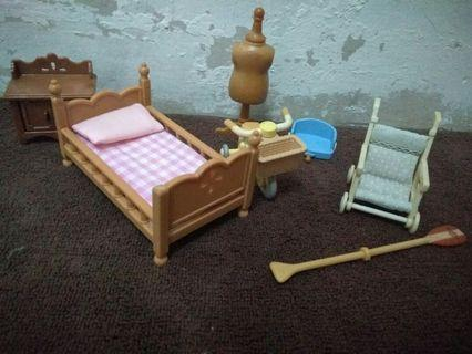 sylvanian families mix tricycle, bed, etc