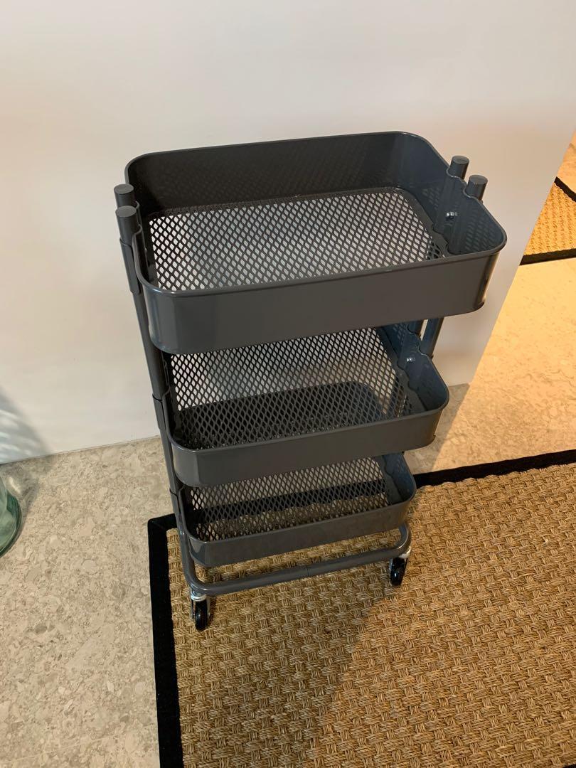 3 Tier Metal Rolling Rack