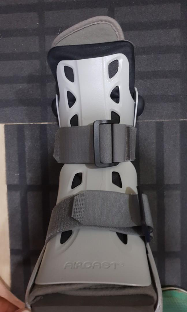 Crutches and airboot (aircast) (m size)