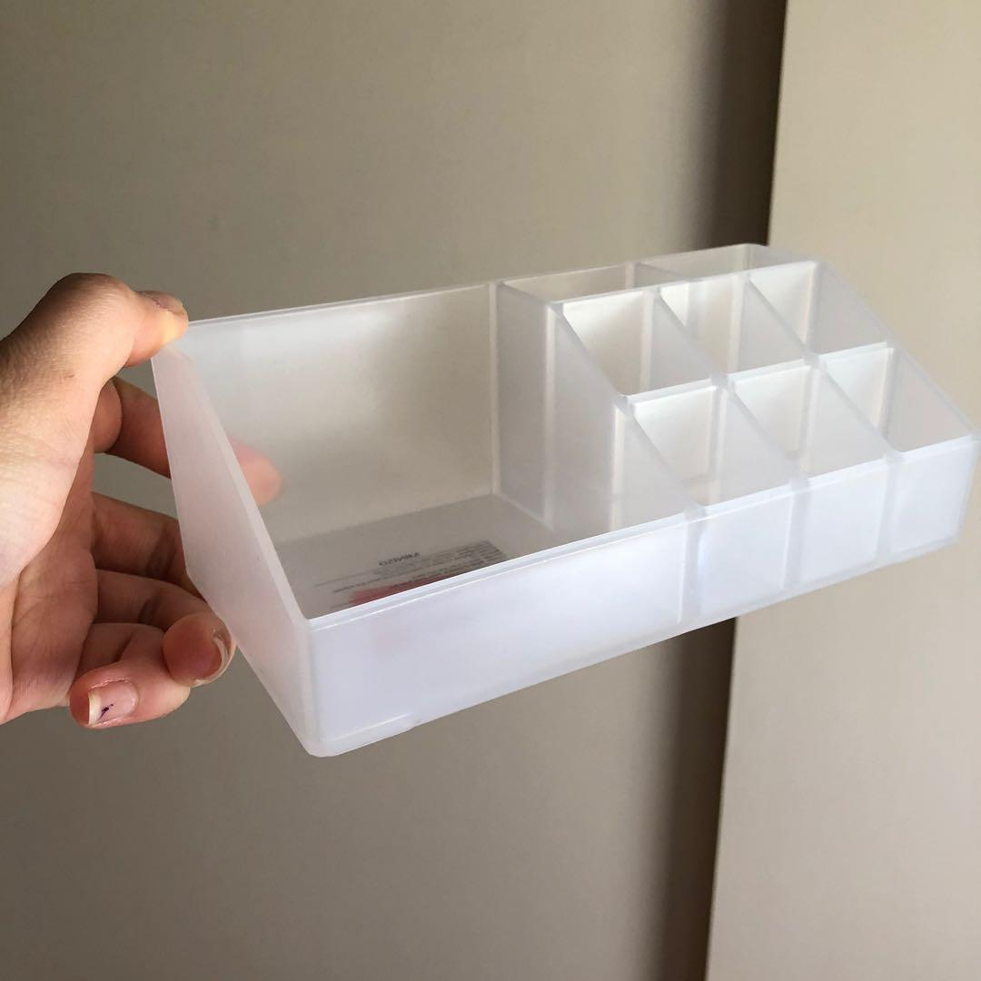 Lipstick storage holder