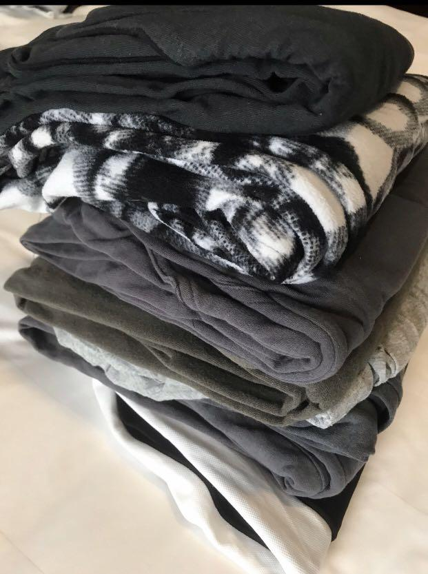Men's  Stylist long track Pants, fleece Cotton 💯