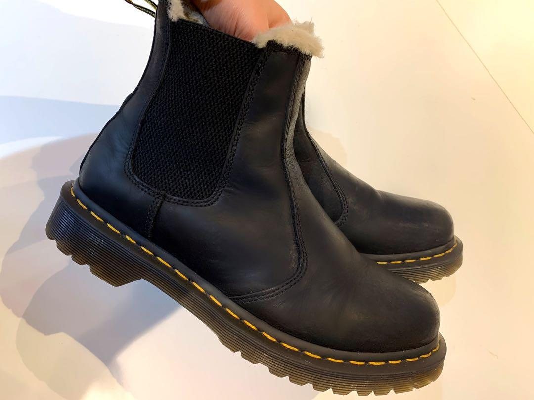 Women's 2976 Leonore Fur Lined Chelsea Boots in Black